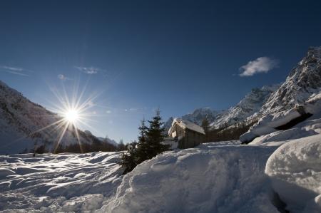 courmayeur: Panorama en Val Ferret Courmayeur, Valle de Aosta, Italia Foto de archivo