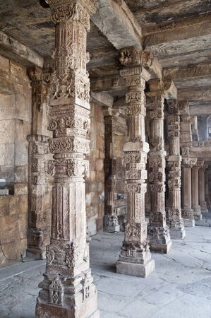 quitab: Colonnade in Quitab Minar Temple, Delhi, India