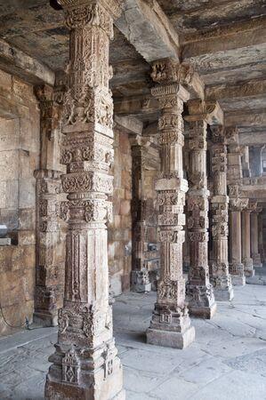 quitab: Colonnade in Quitab Minar Temple, Delhi, India