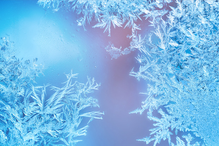 finestre congelati in inverno con decorazioni gelo Archivio Fotografico