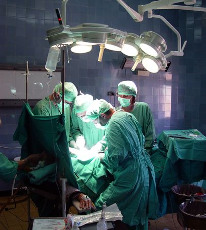 physicans: operation in hospital