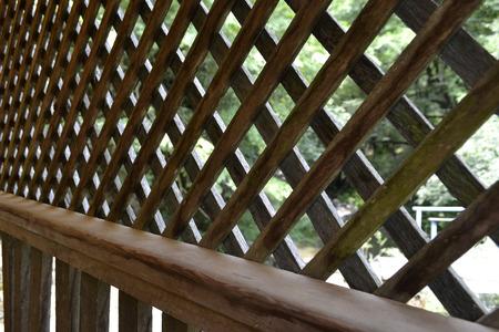 muebles de madera: muebles de jardín en la naturaleza