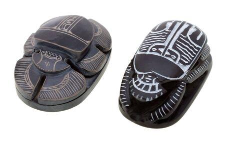 Rytua? egyptian scarabs wyizolowanych na bia?ym tle