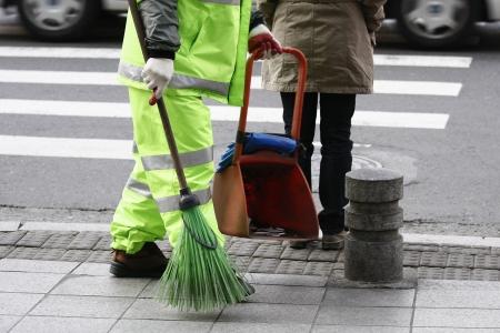 escoba: la calle más limpia Foto de archivo