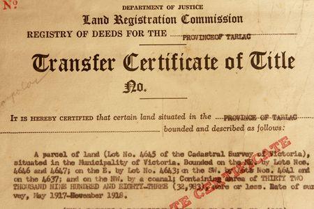 title page: Foto de 1961 el certificado de transferencia titile