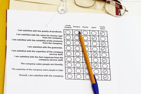 manila envelop: Overall satisfaction of the company survey - many uses for company development. Stock Photo
