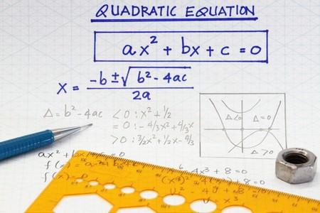 Öffnen Sie die Arbeitsmappe Seite mit algebraische quadratische Gleichungen  Standard-Bild
