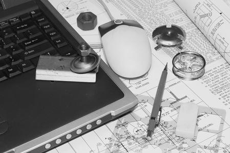 dibujo tecnico: Herramientas sobre los planos del plan de ingeniería y equipo