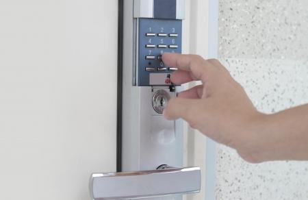 signalering: Signalering van de binnenlandse veiligheid deur combinatie - concept voor veiligheid Redactioneel