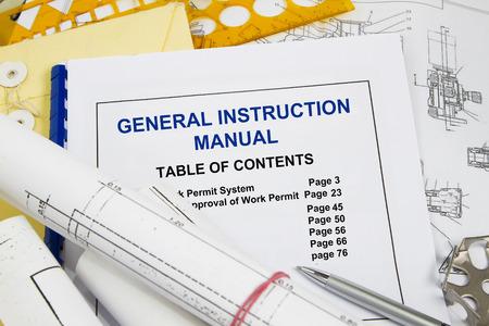 Algemene gebruiksaanwijzing gids brochure met blauwdruk en potlood