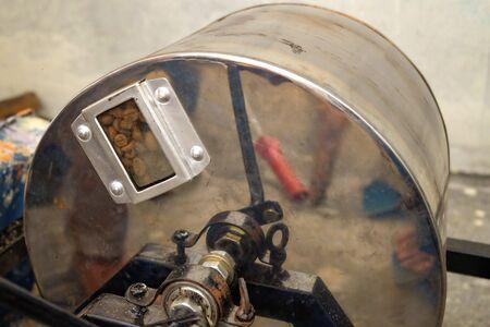 manual rolling drum coffee roaster