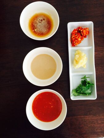 materiale: Ingredienti da cucina Shabu e condimenti