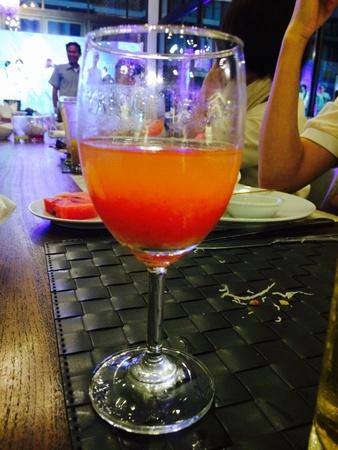 glow: Wine glass in Pratt drink