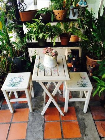 Tavolino in giardino