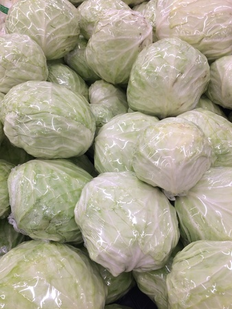 Stir the cabbage wrapped with food wrap film.