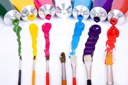 tube de peinture avec un pinceau Banque d'images