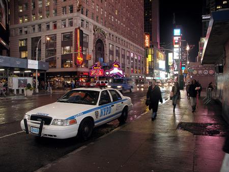 ニューヨーク - ニューヨーク市警パトカー (夜)