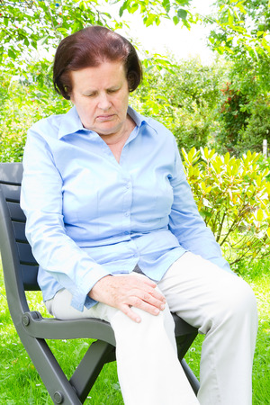 dolor de rodilla: Dolor en una rodilla