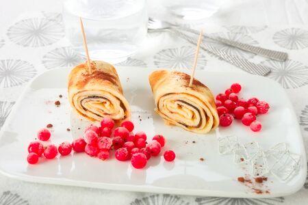crepas: Crepes con grosella roja