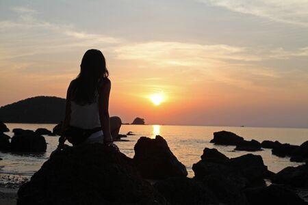 Koh Mak Island, Trad, Thailand, April 25, 2017, women shadow beautiful sunset Stockfoto