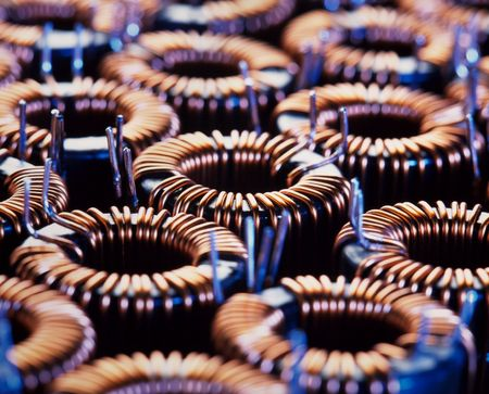 magnetismo: closup della bobina elettrica con poca profondit� di campo