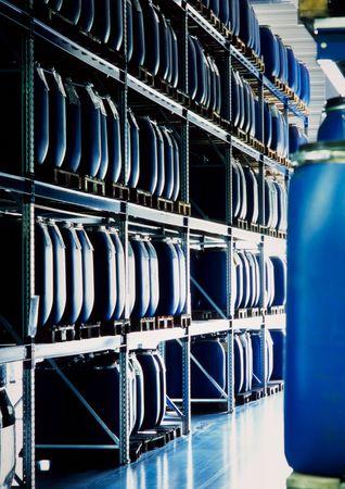 Blauwe containers in een industriële opslag plaats  Stockfoto - 7233892