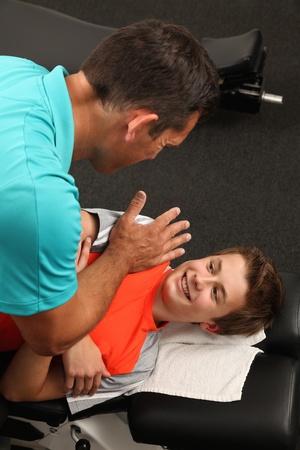 Een Chiropractor behandeling van een kind