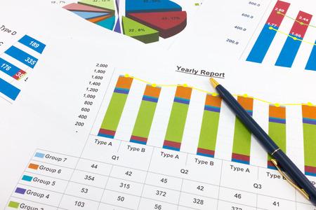 Financial paper charts and graphs. Standard-Bild