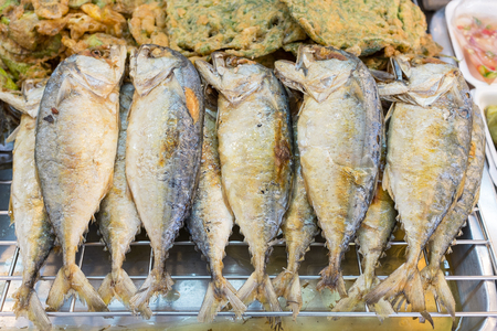 omega3: Short-bodied mackerel has omega-3 which good for nerve system.