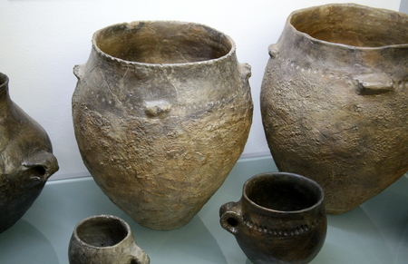 3rd ancient: Inside a grave of a married couple, copper age, Vucedol, Croatia