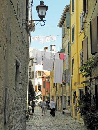 washed: Rovinj, streets with drying the washed textile , 7