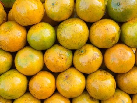 muchos de naranja fresco crudo