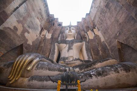 chum: Buddha in wat sri chum sukhothai  Stock Photo