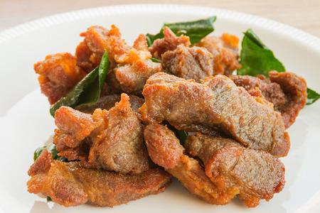 sanguijuela: Cerdo frito con pan de cal sanguijuela
