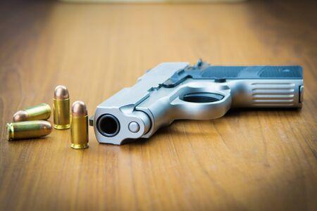 gun sight: 380 mm hand gun with rounds