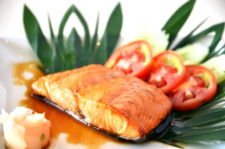 Fish dish - grilled salmon with vegetables Stock Photo - 10925752
