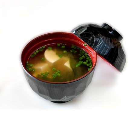 Un bol de soupe miso, de l'Alimentation japonaise