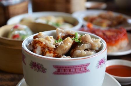 chinese pig: Costillas de cerdo de vapor de cerdo con salsa de frijol Negro sobre el arroz