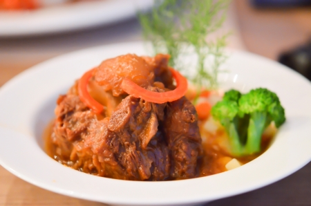 Braised Oxtail in Red Wine Sauce