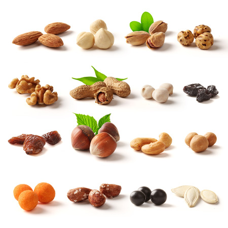 hazelnuts: Nuts family with clipping path