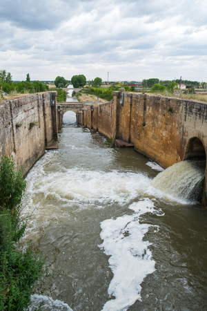 lock: Lock outlet water of Irrigation canal in Fromista, Palencia, Spain