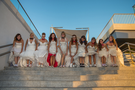 photography session: Group of brides in stairs