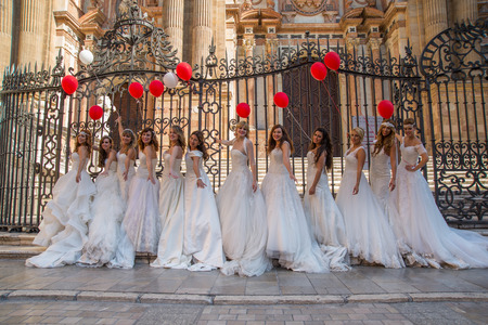 photography session: Group of brides with a balloons