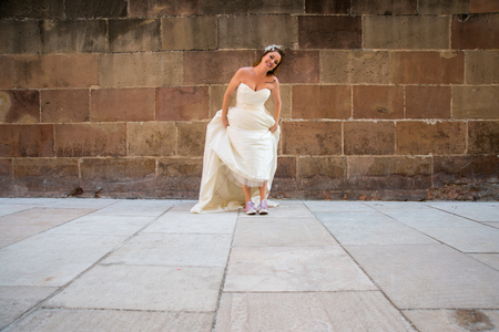 photography session: Bride posing in a photoshoot