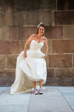 photography session: Crazy bride showing her sneakers