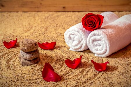 Wellness towels, rose and stones