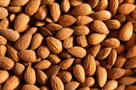 Raw dried almonds Stock Photo - 6973178