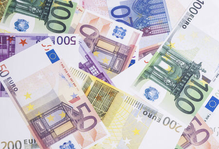 eur: Image shows heaps of banknotes