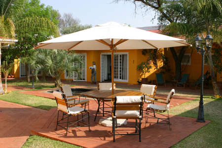 guesthouse: Patio of a namibian guesthouse in bright sunshine