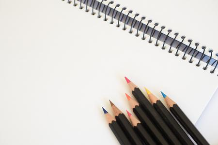 Sketch Pad und Buntstifte